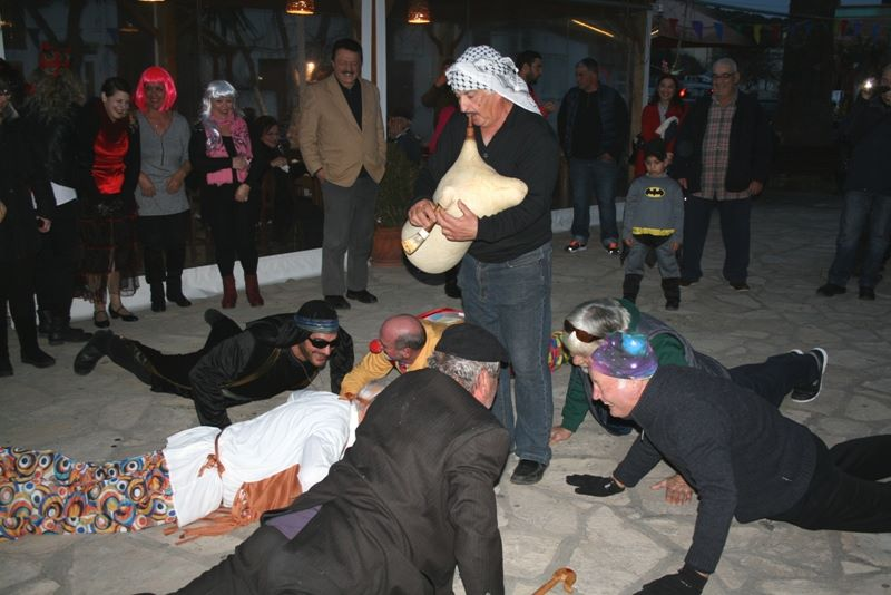 Αποκριάτικη γιορτή για την Τσικνοπέμπτη στο Παλαιόκαστρο