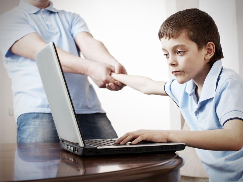 """Εργαστήριο για γονείς με θέμα """"Τα παιδιά μας και το διαδίκτυο"""" στις 19/2 στο Καρλόβασι"""